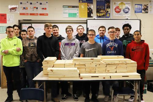 FFA Students Make Crates for Citrus Sale